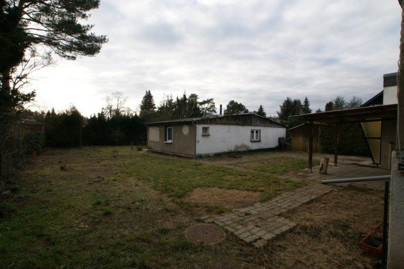 Grundstück mit Bungalow